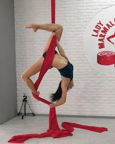 Dancing Girl Photography Fun Dancers Ideas For 2019 Aerial Acrobatics, Aerial Dance, Aerial Hoop, Aerial Arts, Pole Dance, Dark Fantasy Art, Arial Silks, Royal Ballet, Aerial Gymnastics