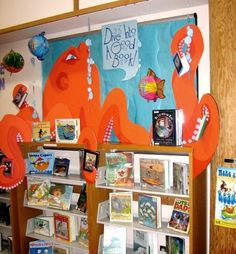 """This octopus reading display created by Rachel Moani is impressive. I'm sure that this beautiful bulletin board display made students want to """"Dive Into a Good Book!"""" just like the title of her display. Library Themes, Library Book Displays, Class Library, Library Activities, Library Lessons, Library Books, Library Decorations, Library Ideas, School Displays"""