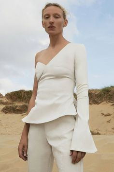 See the complete Beaufille Spring 2017 Ready-to-Wear collection.