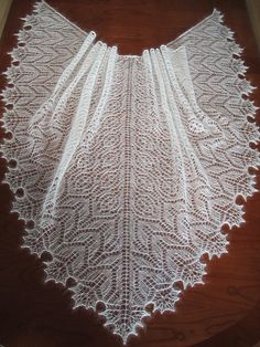 Crochet inspiration - Ravelry: Creamy Shawl pattern by Kasia Smolak Lace Knitting Patterns, Shawl Patterns, Lace Patterns, Knitting Stitches, Knitting Machine, Knitted Shawls, Crochet Scarves, Lace Shawls, Lace Scarf