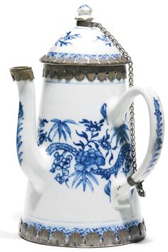 A blue and white Kangxi porcelain pot for the export market,China, 17th century, with Ottoman mounts