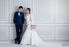 clean and simple pre wedding studio in Korea