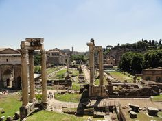 My favorite historical place in Roma, Italy! The Roman Forum! :)