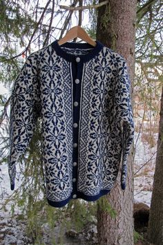 Min Jonsrudkofte. Mønster 1152 S Knit Crochet, Mom, Knitting, Lady, Sweaters, Jackets, Fashion, Tricot, Down Jackets