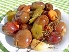Aceitunas gordales alinadas Healthy Cooking, Cooking Recipes, Healthy Recipes, Finger Food Appetizers, Finger Foods, Spanish Kitchen, Marinated Olives, Olive Salad, Fusion Food