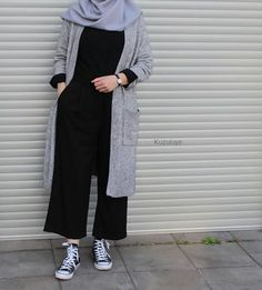 Style Vintage Outfits Hijab Ideas Source by – Hijab Fashion 2020 Hijab Casual, Hijab Chic, Hijab Fashion Casual, Fashion Muslimah, Ootd Hijab, Street Hijab Fashion, Muslim Fashion, Trendy Fashion, Girl Fashion