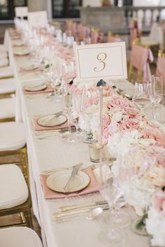 Blush pink and gold wedding reception tablescape Wedding Table Decorations, Wedding Table Settings, Table Centerpieces, Wedding Centerpieces, Decor Wedding, Floral Centerpieces, Floral Arrangements, Rustic Wedding, Mod Wedding