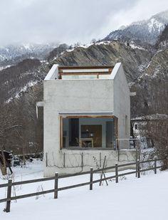 Haus Hemmi by Michael Hemmi #Architecture | #Concrete #Minimal