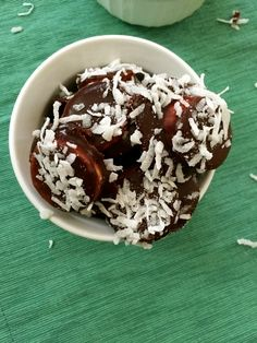 Frozen Chocolate Coconut Banana Bites are satisfying, kid friendly snack is bite sized. Bananas slices are topped with dark chocolate and shredded coconut and then frozen. // A Cedar Spoon