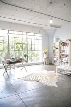 Love this office space!