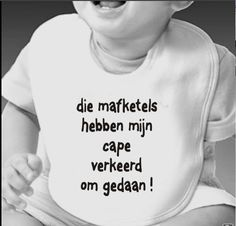 Leuke slabbetjes met tekst die je kunt kopen. Funny Baby Clothes, Funny Babies, Baby Co, Baby Kids, Text Quotes, Funny Quotes, Baby Silhouette, Silhouette Cameo Projects, Baby Shirts