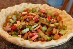 Old-Fashioned Rhubarb Custard Pie