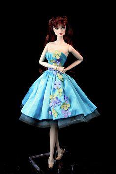 """Lucy"" Fashion Royalty Brides of Dracula"