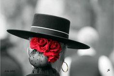 Spanish style – Mediterranean Home Decor Spanish Style Weddings, Spanish Style Decor, Spanish Style Bathrooms, Flamenco Party, Flamenco Dancers, Spanish Hat, Fashion Photo, Fashion Art, Bridal Headdress