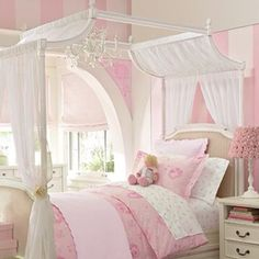Princess Room - Love these walls