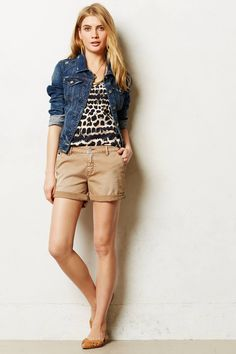 Pilcro Hyphen Chino Shorts from Anthropologie. In every color please! Short Outfits, Simple Outfits, Summer Outfits, Casual Outfits, Cute Outfits, Style Désinvolte Chic, My Style, Chino Shorts, Khaki Shorts