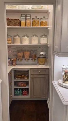 Small Kitchen Pantry, Pantry Room, Kitchen Pantry Design, Kitchen Organization Pantry, Diy Kitchen Storage, Modern Kitchen Design, Home Decor Kitchen, Interior Design Kitchen, Microwave In Pantry