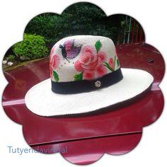 Espectaculares sombreros pintados a mano