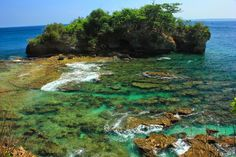Pantai Karang Copong (Karang Copong Beach), Ujungkulon #nationalpark #banten #Indonesiaonly  Img by Eyd Hardy