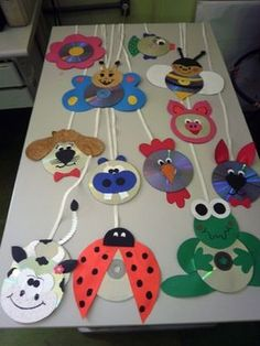 cd animals craft idea – Back to School Crafts – Grandcrafter – DIY Christmas Ideas ♥ Homes Decoration Ideas Kids Crafts, Preschool Crafts, Projects For Kids, Diy And Crafts, Arts And Crafts, Paper Crafts, Preschool Age, Summer Camp Crafts, Camping Crafts