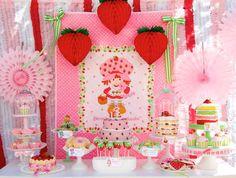 strawberry+shortcake+party+table.jpg 608×460 pixels