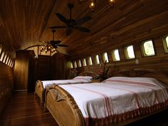 boeing 727 hotel suite jets out of the jungle in costa rica