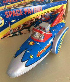 Le chouchou de ma boutique https://www.etsy.com/fr/listing/257477907/jouet-mecanique-space-patrol-vaisseau