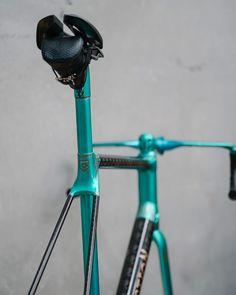 The Bastion Cycles' Demon for Netherlands' Bureau Fidder with Busyman Bicycles' custom Leatherwork.