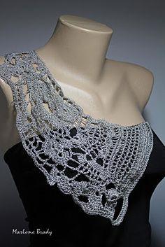 free form shoulder lace piece     ♪ ♪ ... #inspiration_crochet #diy GB http://www.pinterest.com/gigibrazil/boards/