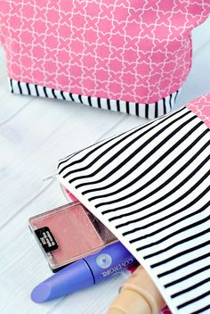 Makeup Bag Tutorial featuring Melissa Mortenson's Wonderland fabric collection | Free sewing tutorial with photos and instructions | Cosmetic pouch