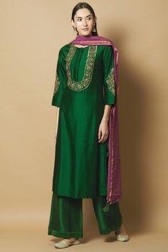 Buy Chanderi Silk Kurta Palazzo Set by Aekatri at Aza Fashions Pakistani Formal Dresses, Pakistani Fashion Casual, Pakistani Dress Design, Pakistani Outfits, Indian Dresses, Indian Fashion, Eid Outfits, Pakistani Bridal, Wedding Outfits
