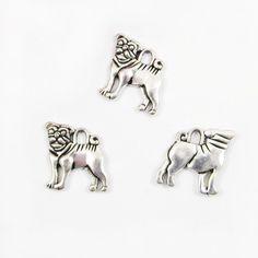 Mops / Hund Anhänger Schmuckanhänger Charm, Farbe silber antik