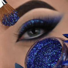 Smoke Eye Makeup, Matte Eye Makeup, Makeup Eye Looks, Eye Makeup Steps, Glitter Eye Makeup, Eye Makeup Art, Eyeshadow Makeup, Eye Art, Makeup Brushes
