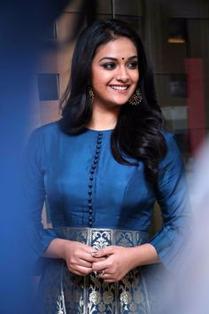 Keerthy Suresh Photos At TSK Movie Press Meet - south celebrities Beautiful Girl Indian, Most Beautiful Indian Actress, Beautiful Saree, Beautiful Bollywood Actress, Beautiful Actresses, Keerthy Suresh Hot, Keerti Suresh, Indian Dresses, Indian Outfits