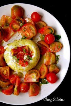 CHEZ SILVIA: Ensalada de burratina con tomates al pesto de albahaca y menta
