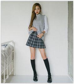 10WORLD - Pleated Plaid Mini Skirt