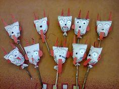 Čerti z pytlíku – zszeleznice – album na Rajčeti Christmas Stockings, Christmas Ornaments, Album, Holiday Decor, Ideas, Winter Time, Crafting, Needlepoint Christmas Stockings, Christmas Jewelry
