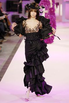 Christian Lacroix Spring 2007 Couture Collection Slideshow on Style.com