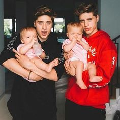 Now can I call you daddy? #martineztwins
