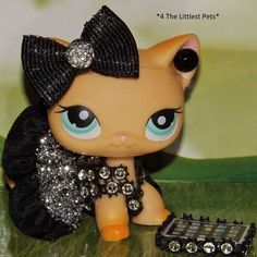 Littlest Pet Shop Clothes Accessories Custom LPS Cat/dog Not Included for sale online Lps Clothes, Custom Clothes, Lps Diy Accessories, Custom Lps, Lps Sets, Lps Littlest Pet Shop, Pets For Sale, Little Pet Shop, Monster High Custom