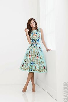 Glamour Mexico - 20763174661 o Pretty Outfits, Pretty Dresses, Beautiful Outfits, Dress Skirt, Dress Up, Dress Outfits, Fashion Dresses, Allison Williams, Mexican Dresses