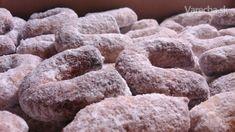 Vanilkové rožky (špaldové) Christmas Cookies, Chocolate, Desserts, Food, Basket, Xmas Cookies, Tailgate Desserts, Deserts, Christmas Crack