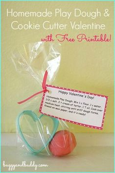 Homemade Play Dough and Cookie Cutter Valentine for Kids w/ Free Printable Labels & Tags~ Buggy and Buddy