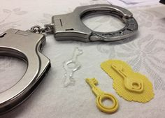 Hacker Opens High Security Handcuffs With 3D-Printed And Laser-Cut Keys