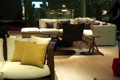 Milão 2015: Roda traz, na coleção criada por Rodolfo Dordoni e Gordon Guillaumier, a linha de sofás e poltronas Double  Casa Vogue | Feiras