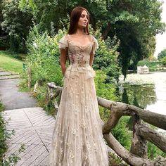 Amazing Literary Dresses by French Designer Sylvie Facon, фото № 36 Princess Wedding Dresses, Designer Wedding Dresses, Elven Wedding Dress, Lace Wedding, Medieval Wedding, Vestidos Vintage, Vintage Dresses, Wedding Dresses Pinterest, Fantasy Gowns