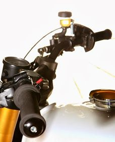 XJ 900 by Tarmac Custom Motorcycles - RocketGarage - Cafe Racer Magazine Yamaha Cafe Racer, Xj Yamaha, Cafe Racer Magazine, Custom Motorcycles, Scrambler, Bobber, Racing, Blog, Running