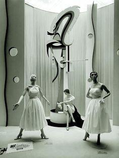 Fashion for KaDeWe department store, Berlin, 1958. Quite futurist setting!