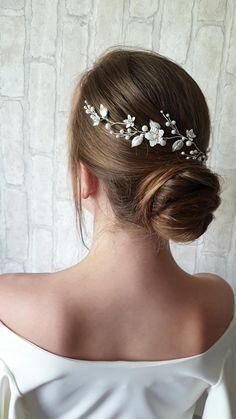 Bohemian Headpiece, Headpiece Wedding, Bridal Headpieces, Low Bun Bridal Hair, Bridal Hair Vine, Winter Hairstyles, Bride Hairstyles, Hair Jewelry, Jewellery