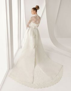 The Most Distinctly Stunning Long Sleeved Wedding Dresses